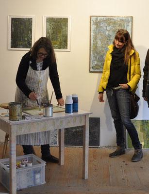 "Work in Process: Susanne malt ""Wilde Wolken"""