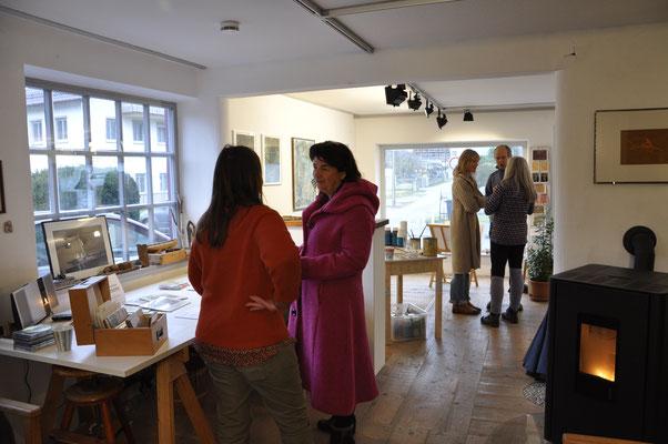 Blick von Günter Stiegelmaier's Atelierbereich nach vorne