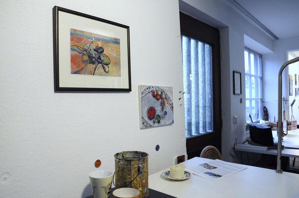Links: Fotoübermalung von Claudia Groß; rechts Mischtechnik (Collage und Acrylfarbe von Petra Wiedemann)