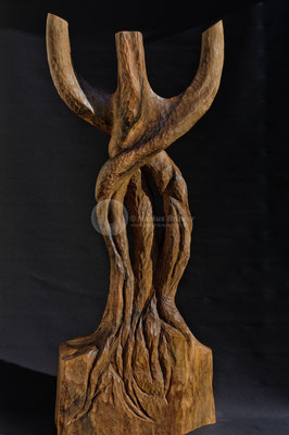 Autragsarbeit, Walnussholz geölt, ca. 150 cm