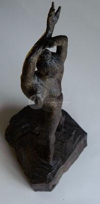 Tänzerin, subfossile Eiche (Mooreiche), geölt, 62 cm