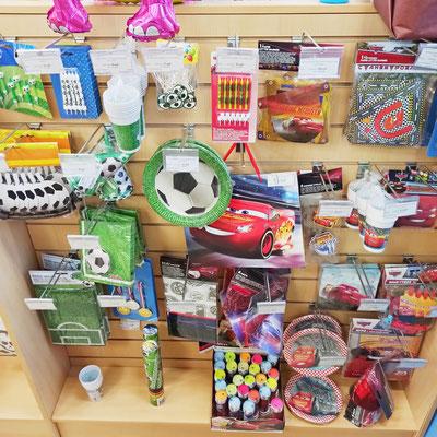 Товары для праздника в магазине Волшебник на Ямашева - коллекции Футбол и Тачки
