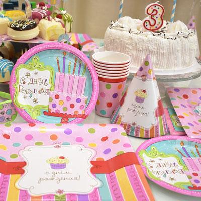 Сервировка праздничного стола на детский день рождения в стиле Сладкий праздник