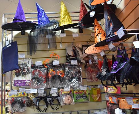 Атрибутика, украшения и аксессуары на тему праздника Хэллоуин купить в Казани