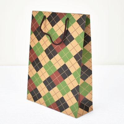 Пакет для подарка крафт Шотландская клетка 31,5*23,5*8,5 см #1705097 - купить в Казани