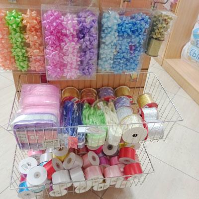 Банты и ленты для праздничной упаковки подарков в магазине Волшебник на Копылова