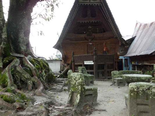 石造りの集会所