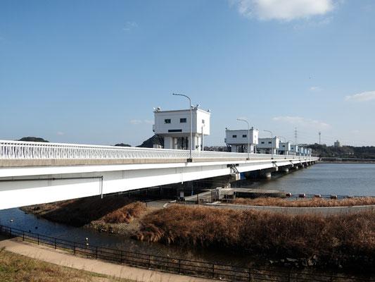 ひびき灘サイクリングロード(遠賀宗像自転車道)- 遠賀川橋河口堰