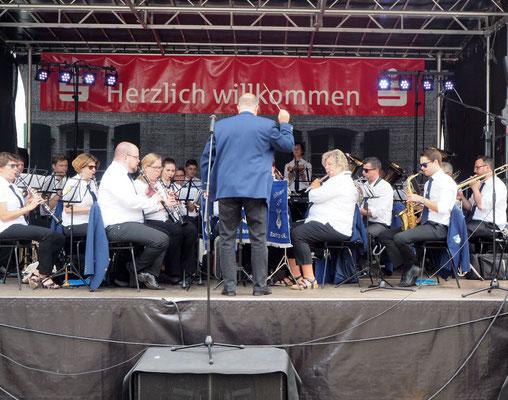 Musikverein Lyra Eschringen: das erste Mal seit vielen Jahren wieder ein Steigermarsch...boah war das gut.