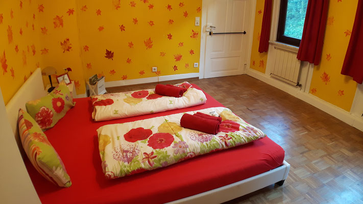 Auch ein Babybett kann für dieses Zimmer zur Verfügung gestellt werden