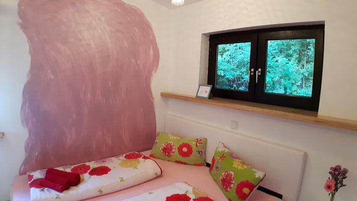 Bequemes King-Size-Bett  (1,80 m breit)