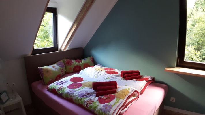 """Zubuchbar: Gästezimmer für zwei Personen in der Pension """"Das Haus am Hang"""" in Schwäbisch Hall"""