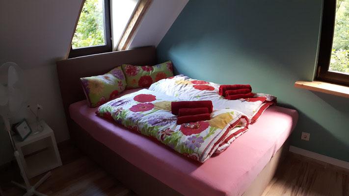 """Zubuchbar: Ferienzimmer für zwei Personen in der Unterkunft """"Das Haus am Hang"""" in Schwäbisch Hall"""