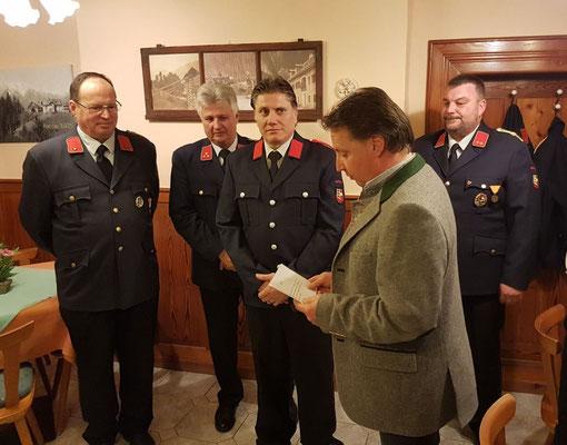 Angelobung von FM Andi Lampret durch den Bürgermeister Ewald Tschabitscher
