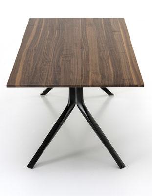 Kristalia Oops Tisch