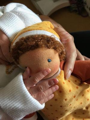 Erste Stoffpuppe für Babys