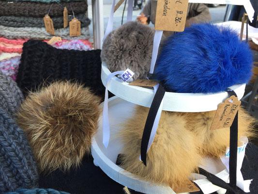 Echtfellzöttel (nur Felle aus der Schweiz, Kaninchen, Fuchs, Steinmarder) für eine einzigartige Mütze!