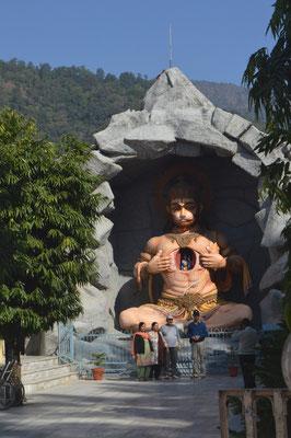 Representación de Hanuman en Rishikesh