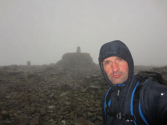 Ben Nevis höchster Berg Schottlands und Großbritanniens - Marco auf dem Gipfel