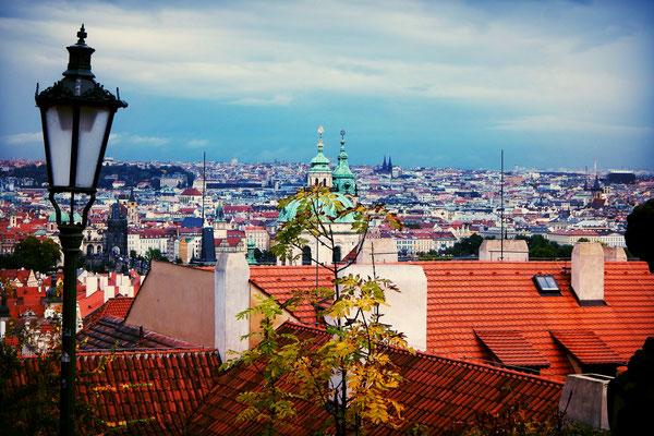 Ausblick von der Prager Burg auf die goldene Stadt