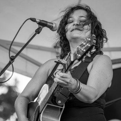 Meena Cryle and the Chris Filmore band (Jean Pierre Brisse)