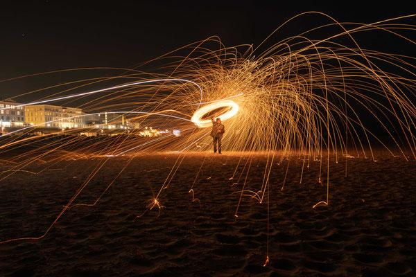 Lichtmalerei mit der Feuerkugel