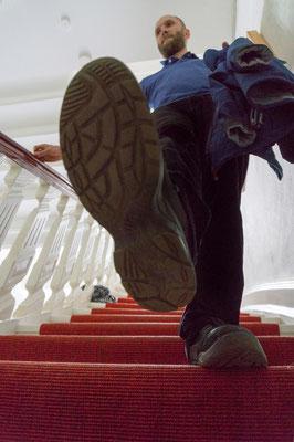 Fotografin: Dagmar Schröder-Becker / Titel: Schuh mit Mann