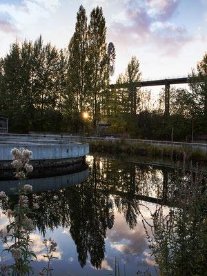 Uta Gronau - Industrielandschaft im Abendlicht