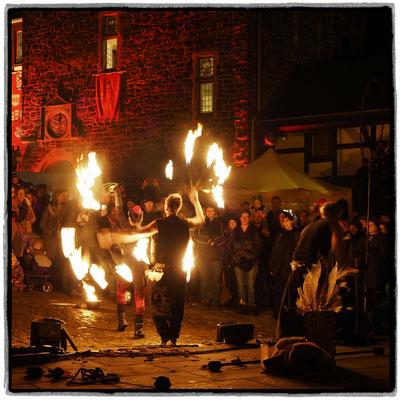 Andreas Ulman - Feuershow beim Winterspektakel Burg Altena