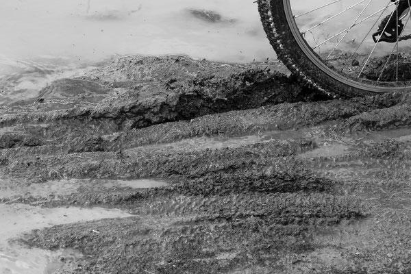 Platz 3         Fotograf : Rüdiger vom Brocke / Titel : tiefe Spur