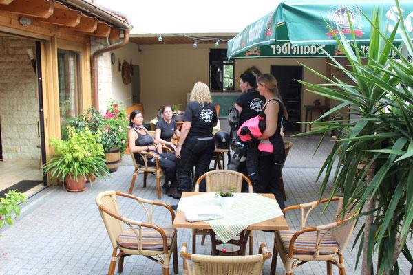 Alle Gesund zurück im Gasthaus zur Grünen Eiche in Kaulsdorf