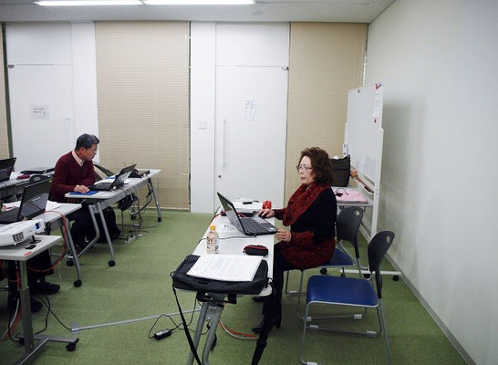 講師・飯塚先生の授業風景