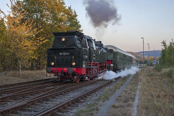 Ausfahrt des Zuges von Neustadt in Sachsen nach Pirna. 13.10.18