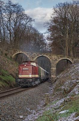Adventssonderzug durch die Sächsische Schweiz mit 112 331 der OSEF. Hier oberhalb von Schönbach auf dem Weg nach Neustadt. 02.12.2017