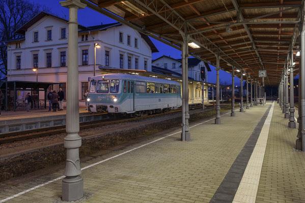 In Neustadt gab es einen kurzen Aufenthalt um auf den Gegenzug aus Pirna zu warten. 29.12.2017