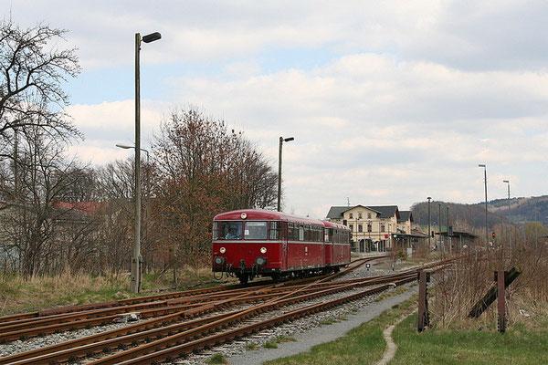 Umsetzen in Neustadt / Sachsen. Foto: André Beck, 17.04.12