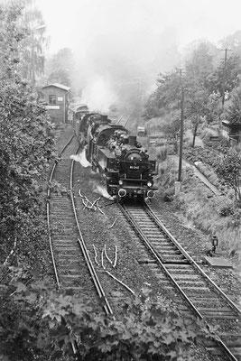 86 245 & 50 1849 mit Sonderzug in Richtung Neustadt.