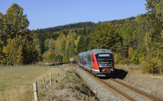 Nationalparkbahn-Desiro 642 537 von Sebnitz nach Rumburk bei Vilémov, 13.10.18