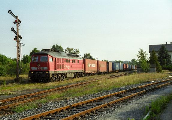 232 497 mit Gz in Richtung Pirna. 05.08.03  Foto: Archiv Kay Baldauf.