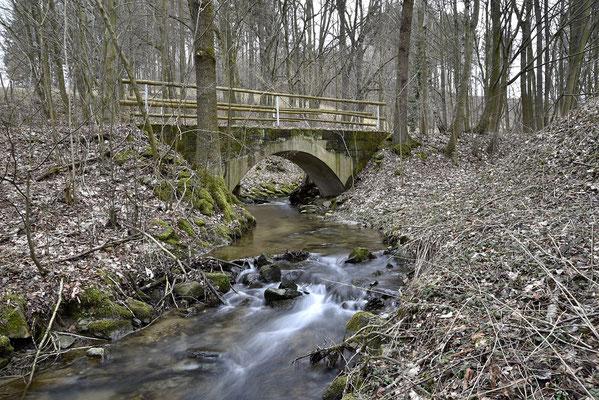 Schon kurz darauf folgt eine weitere Brücke, nun aus Beton. Blickrichtung Ehrenberg, 04.03.19