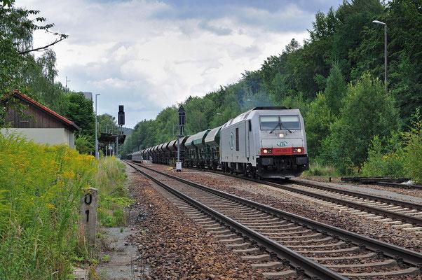 ... schließlich die Ausfahrt der 285 aus Neukirch Richtung Bischofswerda / Dresden. 12.08.2011