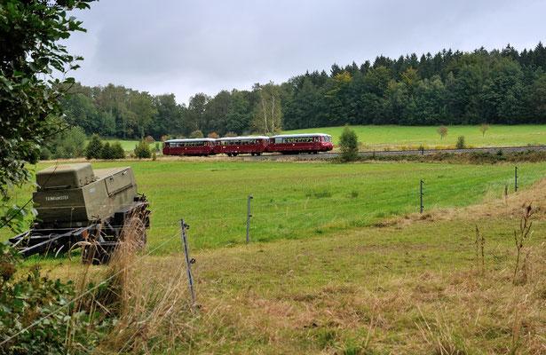 Anschließend ging es nach Sebnitz, hier befindet sich der sehr fotogene Zug in der Steigung bei Krumhermsdorf. 15.09.12