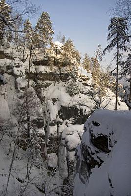 Schnee ohne Ende in den Affensteinen. ISO 100, 18mm, f/6.3, 1/400sek.