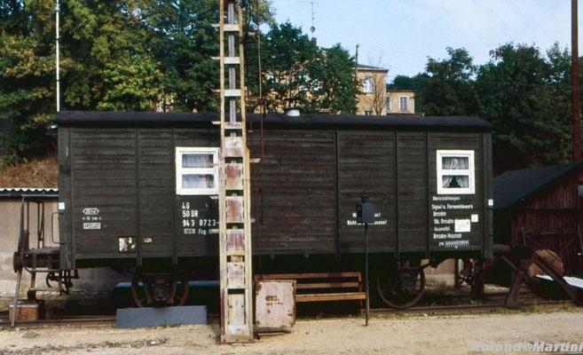 Am Rande ein Werkstattwagen, auf Gleis 11 neben Ausfahrsignal G, man beachte das Gleissperrsignal! Mai 1990, Foto: Archiv Roland Martini