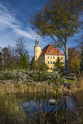 Am Schloss in Langburkersdorf, Oktober 2019.