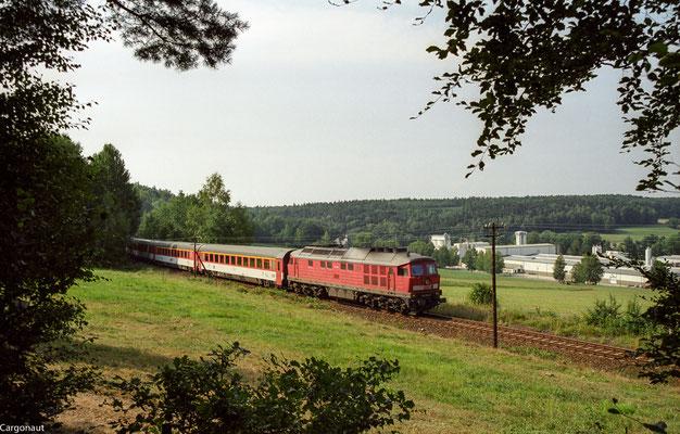 232 494 mit EC 178 bei Porschendorf. 05.08.03  Foto: Archiv Kay Baldauf.