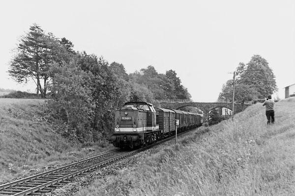 112 849 mit Güterzug von Bad Schandau nach Neustadt bei Krumhermsdorf.