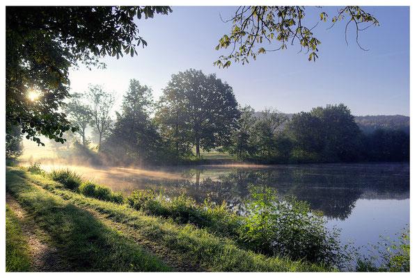 Neblig-kalter Septembermorgen an den Langburkersdorfer Fischteichen. ISO 100, BW 18mm, F/6.3, 1/640, 1/320 & 1/125sek. ( HDR )