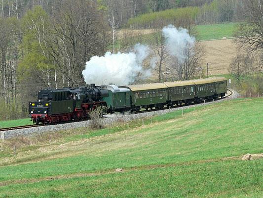 Nochmal 50 3648 auf der Sebnitztalbahn, es sollte ihr letzter Besuch auf der Strecke werden, bei Krumhermsdorf, 23.04.2005, Foto: Jürgen Vogel