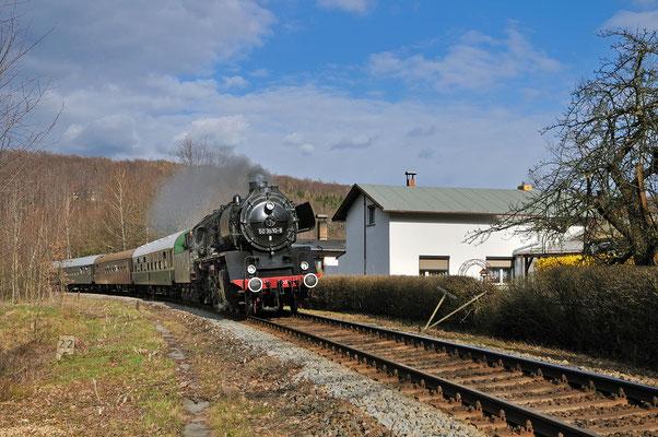Am Nachmittag die Rückfahrt nach Nossen, festgehalten zwischen Neukirch / Lausitz (Ost)...